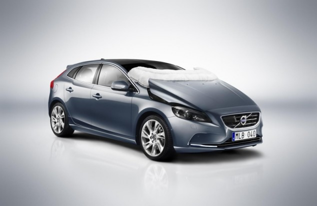 2013 Volvo V40 Pedestrian Airbag Deployed Extrication
